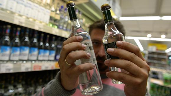 На борьбу с алкогольным суррогатом в рознице выделят 300 млн рублей