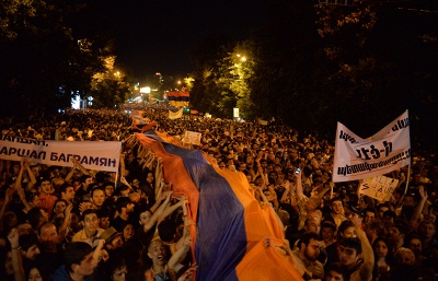 Protests against electricity price hike continue in central Yerevan for sixth day