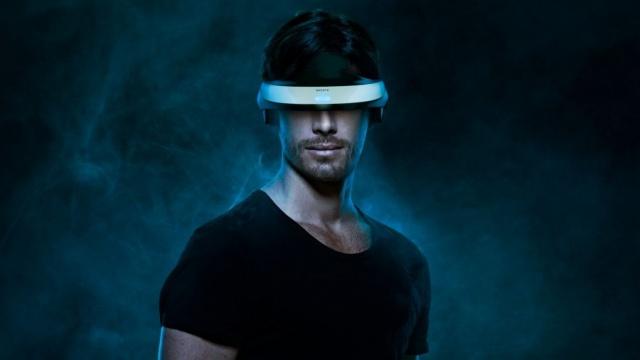 Вчені з США створили шолом-симулятор, який завантажує інформацію прямо в мозок